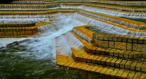 Imagen de Hdr de cascadas en los raws de los pasos de piedra imagen de archivo