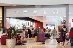 Imagen de la acción de la alameda de Tesla Dadeland Imagenes de archivo