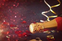 Imagen de la botella del champán Año Nuevo y concepto de la celebración Imagen de archivo