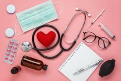 Imagen de la endecha plana de la atención sanitaria de los accesorios y médico aéreos Fotos de archivo