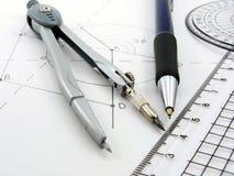 Imagen de la geometría con el diagrama y los utensilios Imagen de archivo