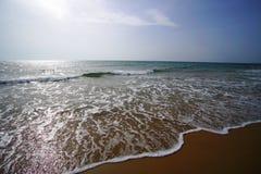 Imagen de la naturaleza salvaje de la playa roja de la arena de Chalikounas en Corfú imagen de archivo