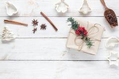Imagen de la visión superior concepto del fondo de la Feliz Navidad y de la Feliz Año Nuevo Accesorios para el postre hecho en ca Fotos de archivo