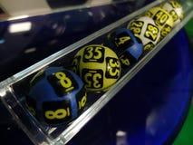 Imagen de las bolas de la lotería durante la extracción Fotografía de archivo libre de regalías