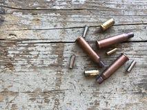 Imagen de las cubiertas del calibre Assorted de la munición usada foto de archivo