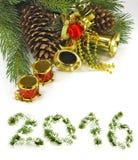 Imagen de las decoraciones de la Navidad cerca del árbol de navidad Imagen de archivo