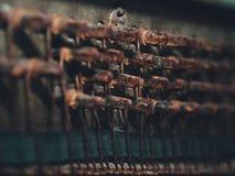 Imagen de los detalles del piano roto viejo para el fondo foto de archivo
