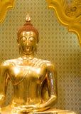 Imagen de oro tailandesa de Buda imágenes de archivo libres de regalías