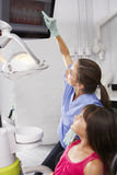 Imagen de Showing Girl Digital del dentista de dientes y de gomas Imagen de archivo libre de regalías
