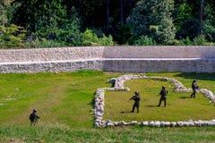 Imagen de soldados en la acción Imagen de archivo libre de regalías