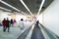 Imagen defocused borrosa del pasajero en el terminal de aeropuerto Fotografía de archivo libre de regalías