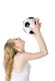 Imagen del blonde joven con el balón de fútbol Fotos de archivo