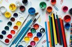 Imagen del colorante de la mujer, tendencia adulta del libro de colorear, para la tensión r Imágenes de archivo libres de regalías