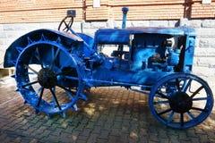 Imagen del comienzo del siglo XX de un tractor imagenes de archivo