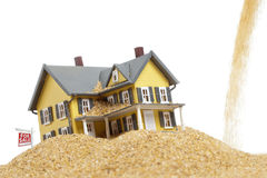 Imagen del concepto de la crisis de las propiedades inmobiliarias Foto de archivo