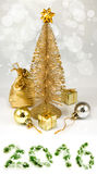 Imagen del diverso primer de las decoraciones de la Navidad Imágenes de archivo libres de regalías