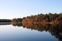 Imagen del lago autumn Fotografía de archivo libre de regalías