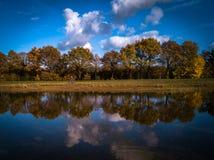 Imagen del lago autumn en los Países Bajos imágenes de archivo libres de regalías
