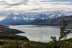 Imagen del panorama del macizo de Torres del Paine fotos de archivo libres de regalías