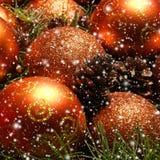 Imagen del primer de las bolas brillantes y hermosas de la Navidad Fotos de archivo