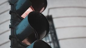 Imagen del primer de una luz de parada de la calle Imagen de archivo