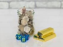 Imagen del riesgo de inversión y del concepto de la vuelta Imágenes de archivo libres de regalías
