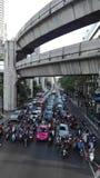 Imagen del tráfico denso en Bangkok foto de archivo