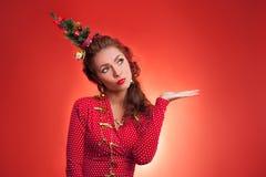 Imagen divertida de los días de fiesta del Año Nuevo y de la Navidad con el modelo Fotos de archivo libres de regalías