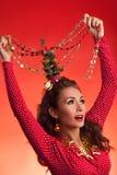Imagen divertida de los días de fiesta del Año Nuevo y de la Navidad con el modelo Fotos de archivo