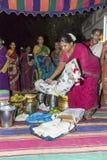 Imagen documental: La India Puja antes del nacimiento Imagen de archivo libre de regalías