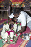 Imagen documental: La India Puja antes del nacimiento Fotografía de archivo libre de regalías
