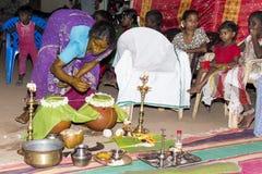 Imagen documental: La India Puja antes del nacimiento Imágenes de archivo libres de regalías