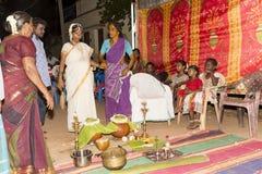 Imagen documental: La India Puja antes del nacimiento Fotos de archivo libres de regalías