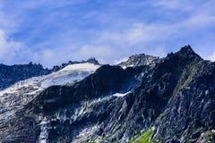 Imagen dramática con el pico de montaña Fotografía de archivo