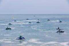 Imagen editorial documental Competidores extremos del atleta en el barco del esquí del jet Imagen de archivo libre de regalías