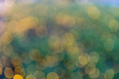 Imagen enfocada/borrosa del De de luces Enmascare las luces Bokeh ligero Fotos de archivo