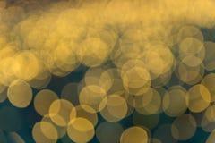 Imagen enfocada/borrosa del De de luces Enmascare las luces Bokeh ligero Imagen de archivo