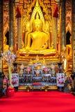 Imagen hermosa de Buda en iglesia budista Fotos de archivo libres de regalías