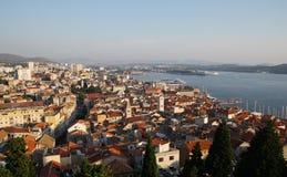 Imagen panorámica de la fortaleza en Sibenik Fotos de archivo