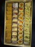 Imagen perfecta de los dulces dispuestos de manera foto de archivo