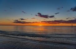 Imagen que sorprende de la puesta del sol en Adelaide imagen de archivo libre de regalías