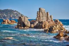 Imagen a?rea del paisaje de Costa Brava espa?ol en un d?a soleado, cerca de la ciudad Palamos imagenes de archivo