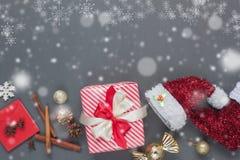 Imagen serial de la visión superior de la Feliz Navidad del diseño creativo y del concepto de la Feliz Año Nuevo imagen de archivo libre de regalías