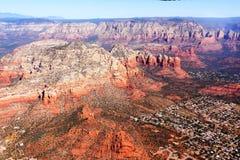 Imagens aéreas das formações de rocha vermelhas de Sedona o Arizona Imagens de Stock