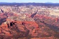 Imagens aéreas das formações de rocha vermelhas de Sedona o Arizona Fotos de Stock