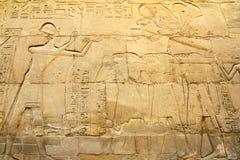 Imagens antigas de Egipto no templo de Karnak Foto de Stock