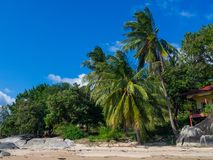 Imagens bonitas dos Sandy Beach em Koh Phangan foto de stock