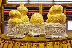 Imagens da Buda no pagode de Phaung Daw Oo, lago Inle, Myanmar Fotografia de Stock Royalty Free