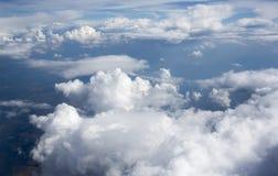 Imagens de alta resolução dos clounds e do céu azul imagens de stock