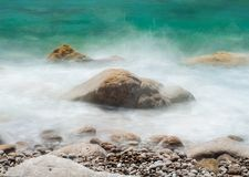 Imagens de rochas marinhas, tomadas com velocidades do obturador longas fotos de stock royalty free